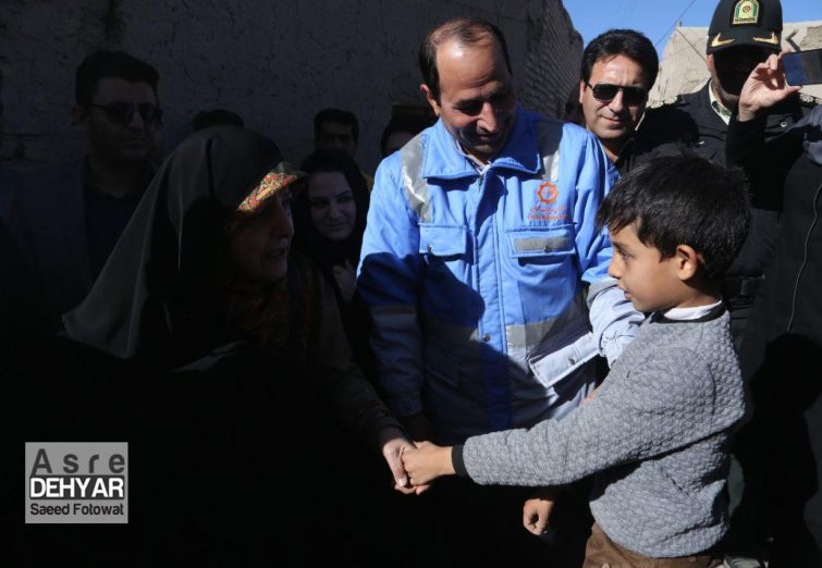 حضور معاون رئیس جمهور در مناطق زلزله زده سراب